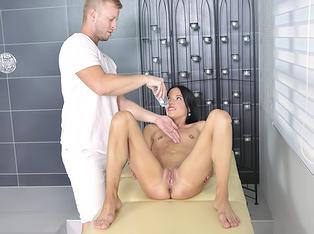 Skinny Massage Girl